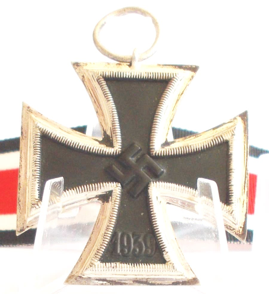 WW2 German Iron Cross 2nd Class- (Ref:83)