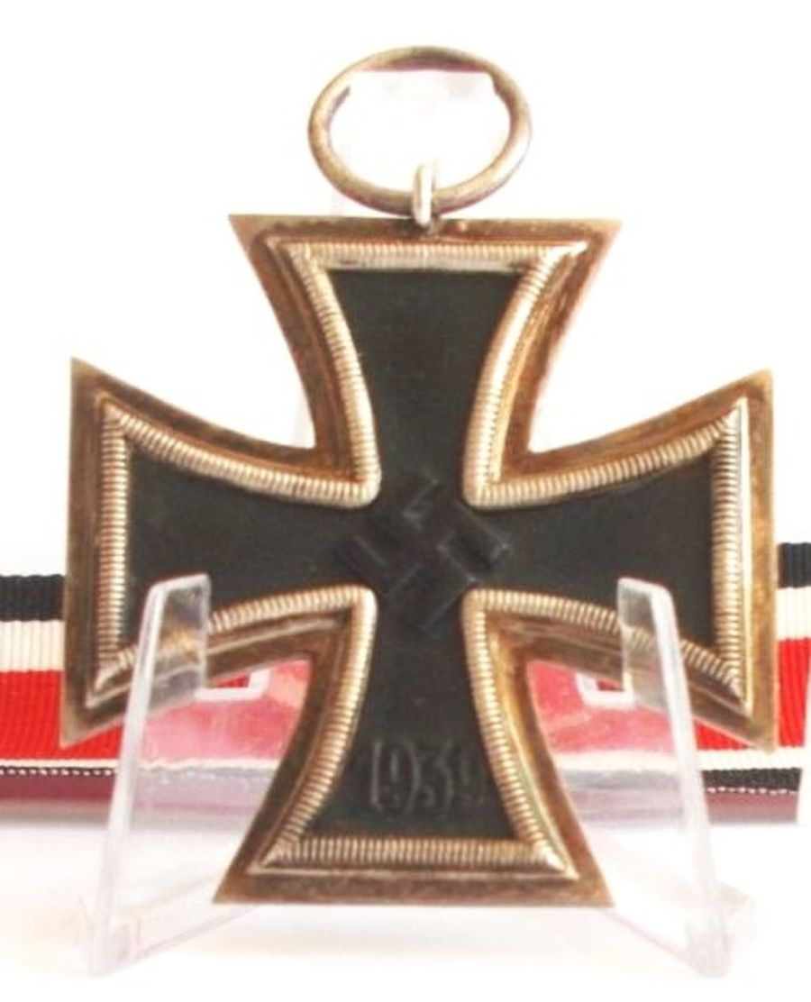 WW2 German Iron Cross 2nd Class_MM 11 (Ref:86)