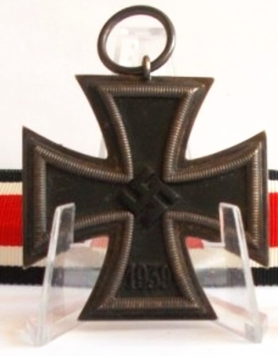 WW2 German Iron Cross 2nd Class_ (Ref:209)