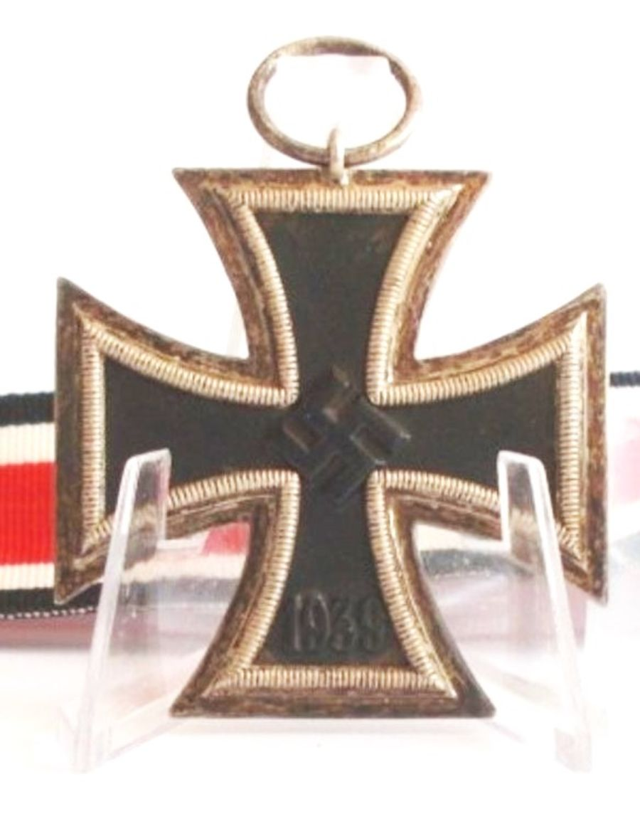 WW2 German Iron Cross 2nd Class_ (Ref:77)