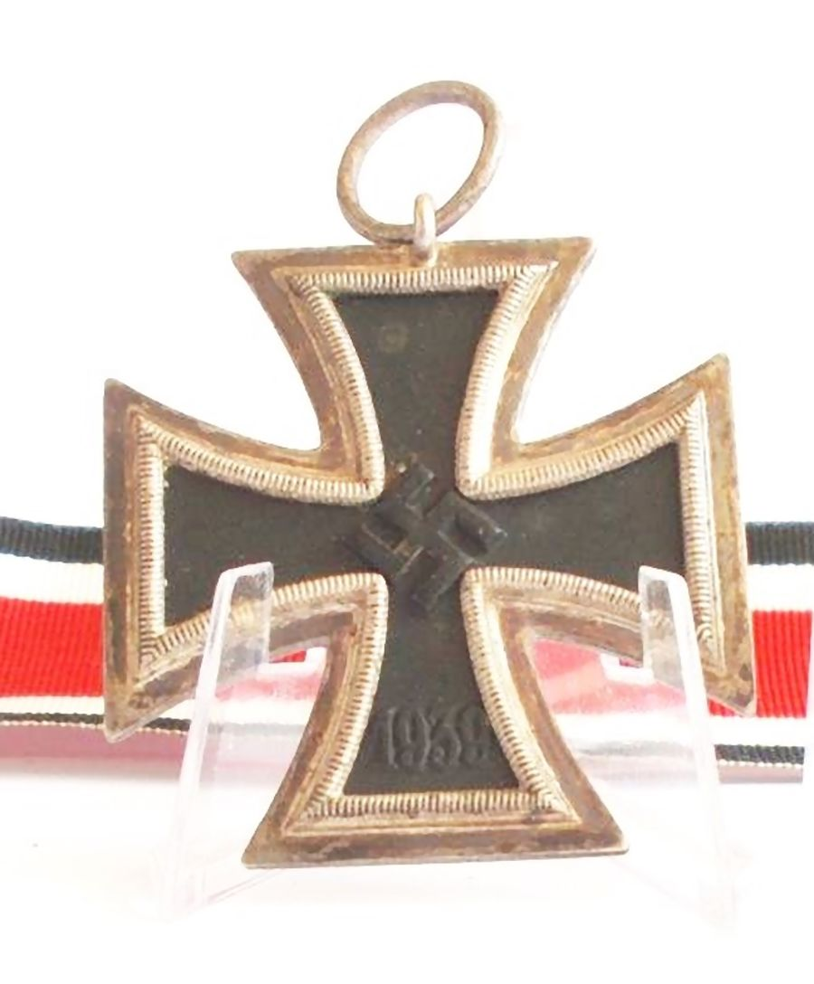WW2 German Iron Cross 2nd Class_Ref:82