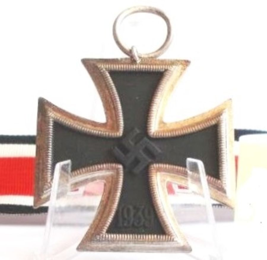WW2 German Iron Cross 2nd Class_Ref:206