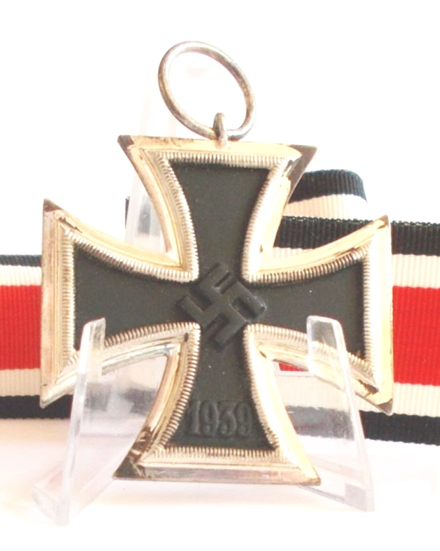 WW2 German Iron Cross 2nd Class...Ref:208