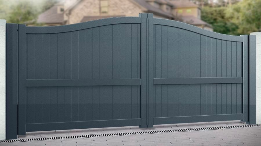 LINLITHGOW Double swing gate with vertical solid infill – Bell curved top up to 2200mm high RMG004DG