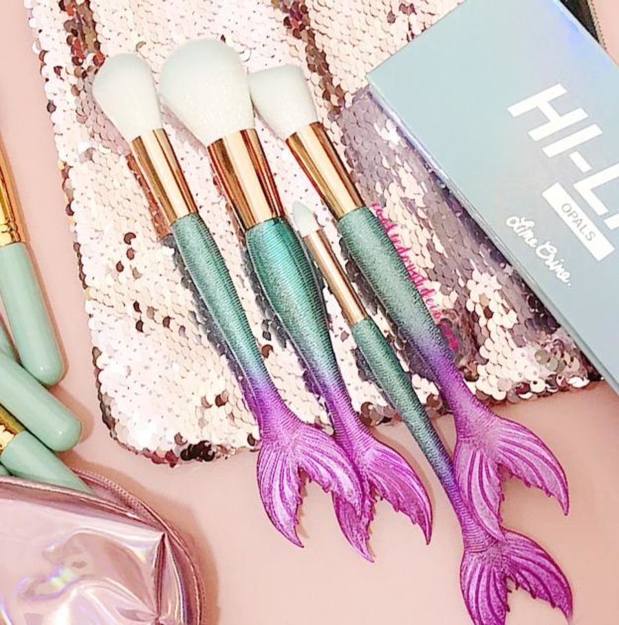 4 Metallic Matte Mermaid Makeup Brushes