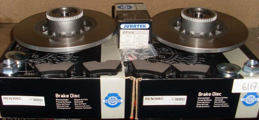 RENAULT TRAFFIC 1.6 REAR 2 BRAKE DISCS PADS AND FITTED WHEEL BEARINGS ABS RINGS