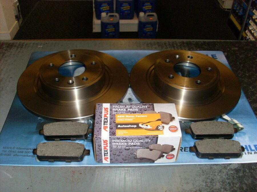 AFTERMARKET REAR 2 BRAKE DISCS AND PADS 292MM FITS VAUXHALL ASTRA J MK6