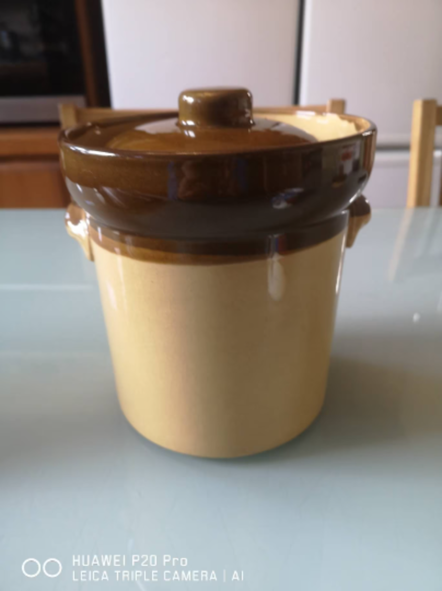 T G Green Granville large casserole / cooking pot