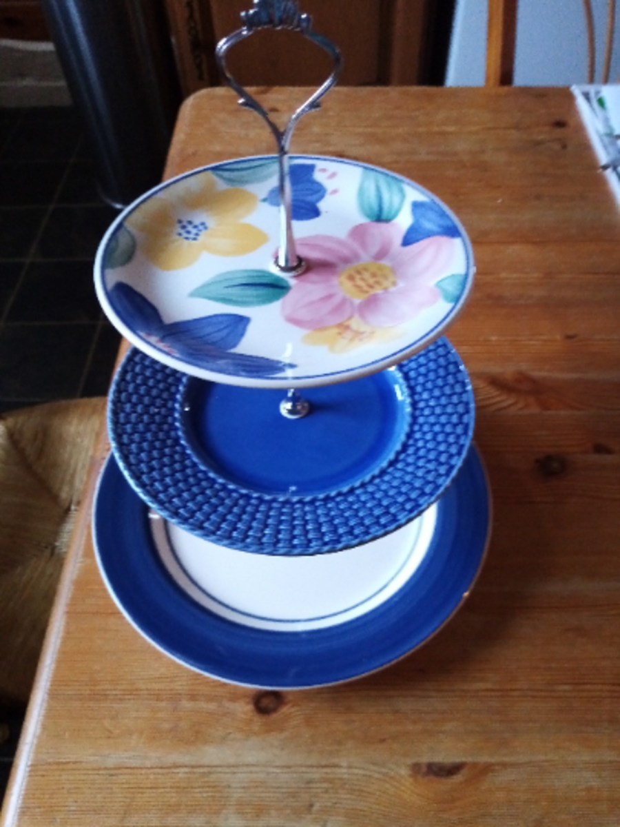 3 tier cake stand multi coloured, gold or silver stem