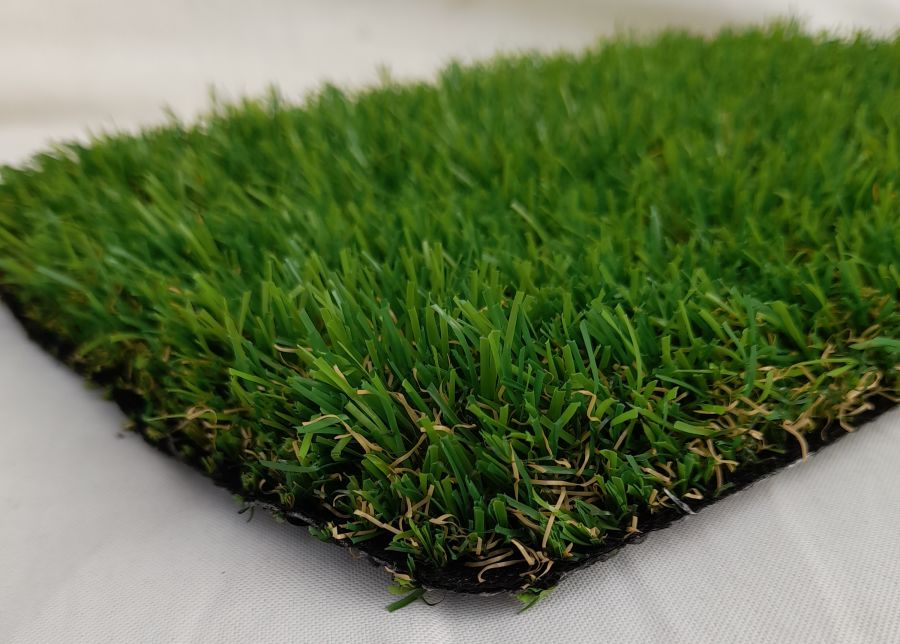 Stirling Castle 37mm Artificial Grass Only £19.99 M² ( RRP £25.99 M² (Save £6 per square metre))