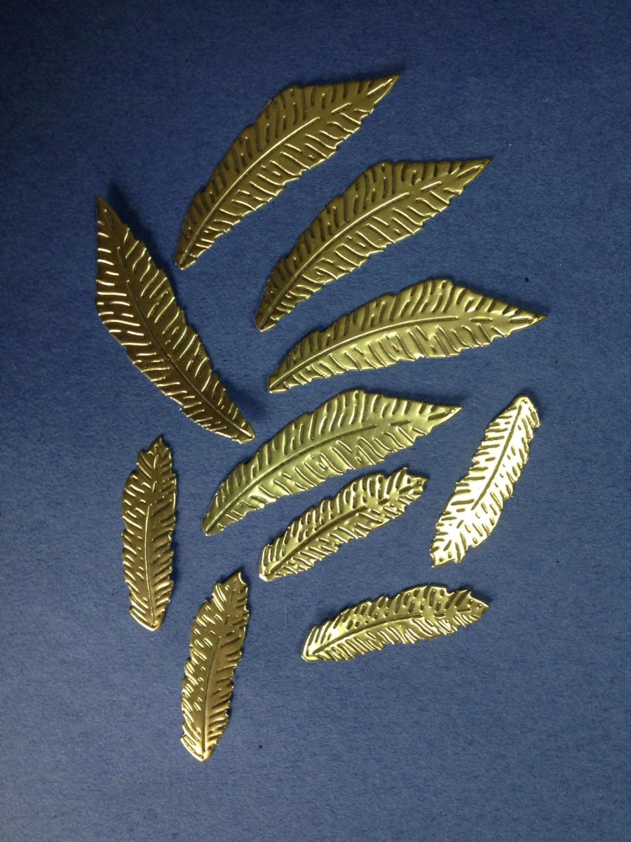 10 Feather Toppers