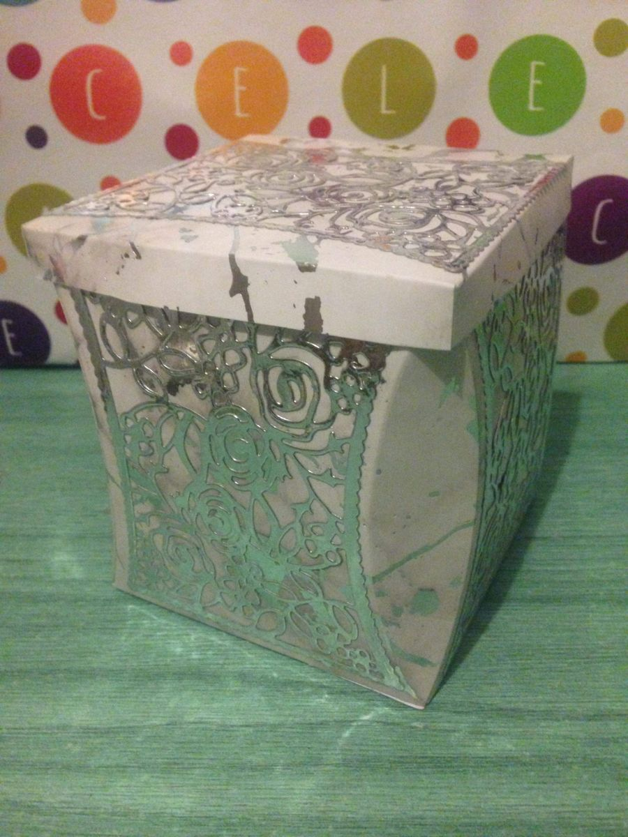 Marble Effect Roses Gift Box