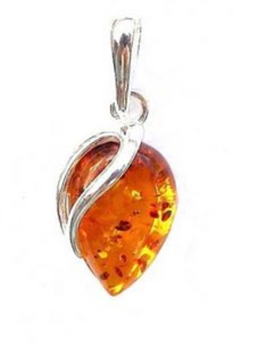 Beautiful  925 Silver Amber Inverted Teardrop Pendant & Chain