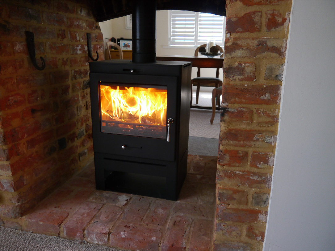 Bohemia 60 Cube Double Sided 6-8kw Multifuel Stove