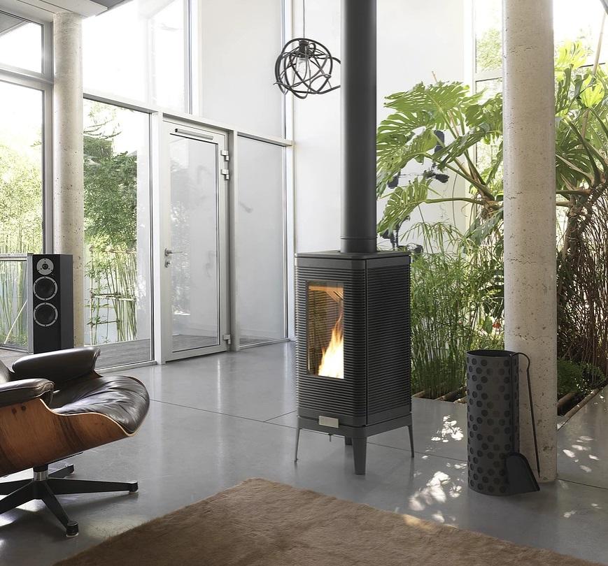 Invicta Iwaki 7kW Ecodesign 2022 Cast Iron Wood Stove