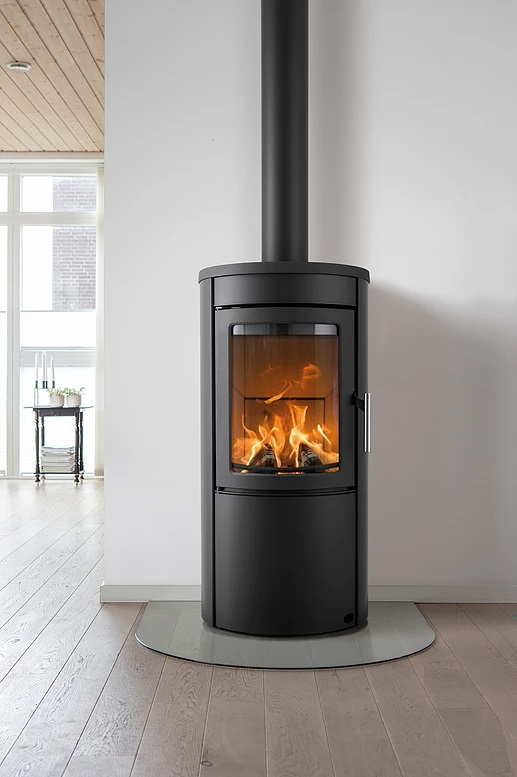 Heta Scan Line 500 5kw Freestanding Wood Burning Stove