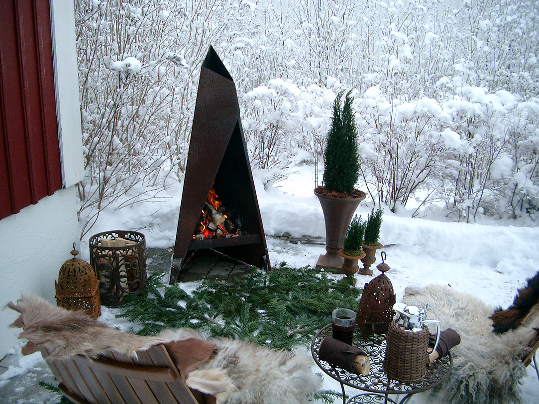 Heta Tipi Outdoor Fireplace - Small
