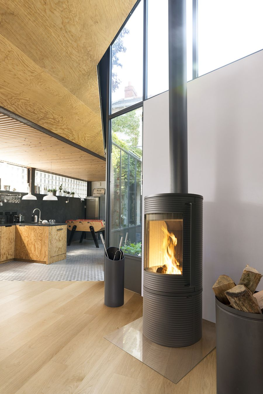Invicta Altara 7kW Ecodesign Cast Iron Wood Stove