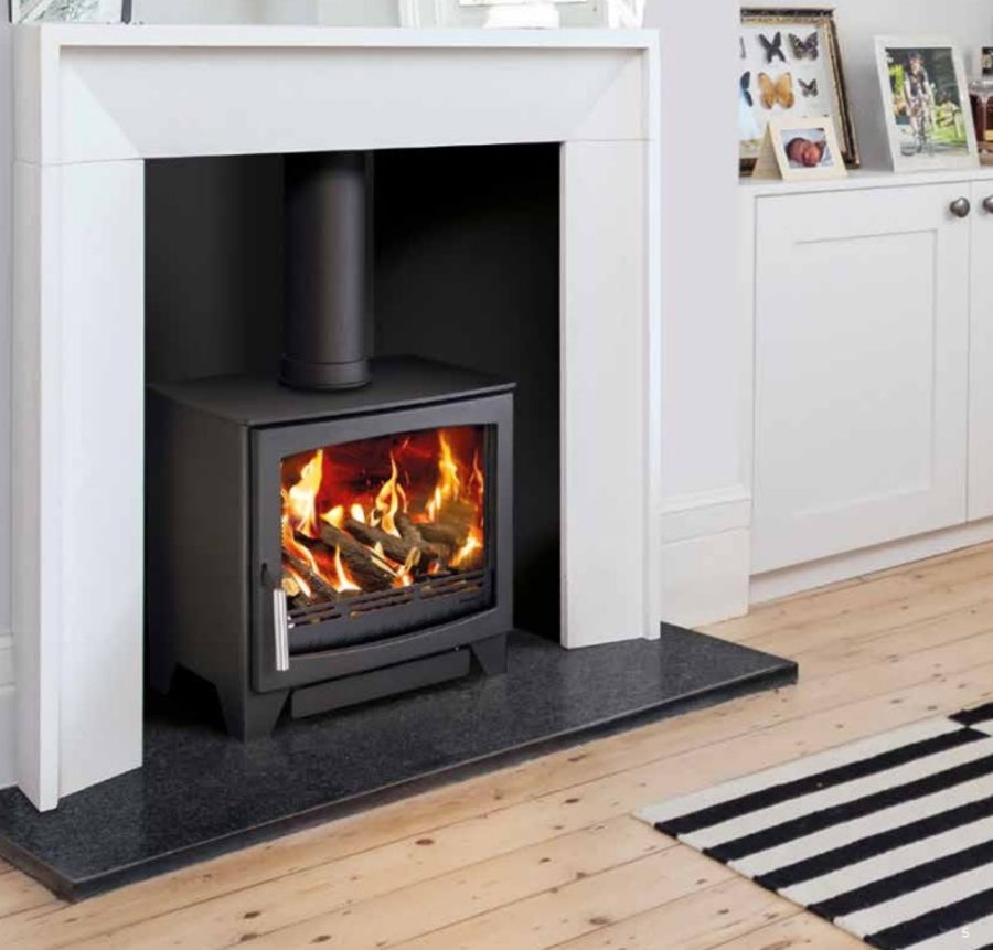 Hunter Aspect 7G Gas Stove in our Showroom now for you to view the fantastic flame picture and heat output 2.5 to 4.5kw
