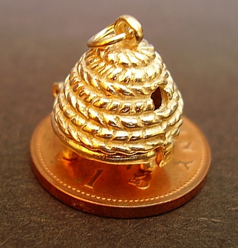 Gold Opening Beehive 9ct Charm