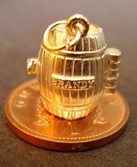 Gold Brandy Barrel 9ct Charm