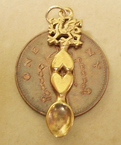 9ct Gold Welsh Dragon Lovespoon Charm