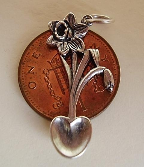 Daffodil Lovespoon Silver Charm