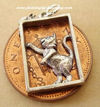 Cat & Mouse Silver Charm