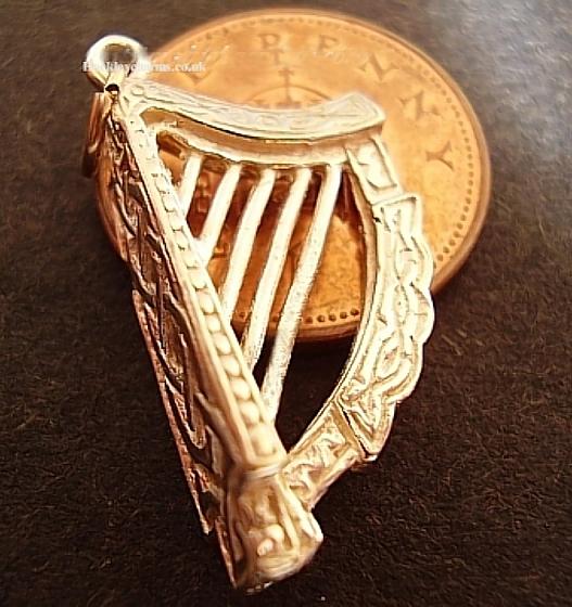Celtic Harp 9ct Gold Charm