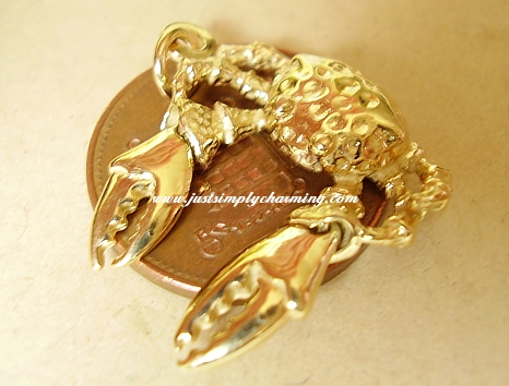 Gold Moving Crab 9ct Charm