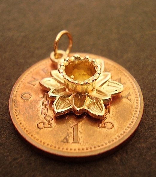 9ct Gold Daffodil Charm