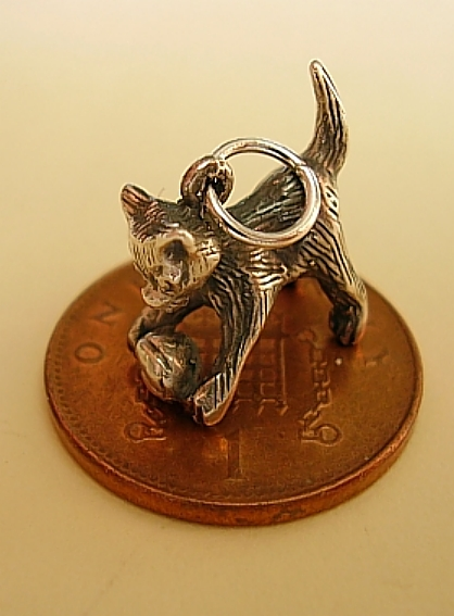 Cat With Wool Silver Charm