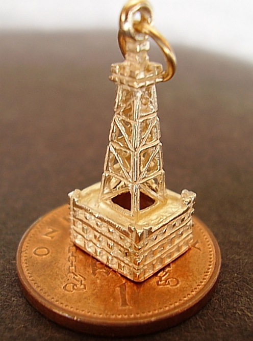 Blackpool Tower 9ct Gold Charm