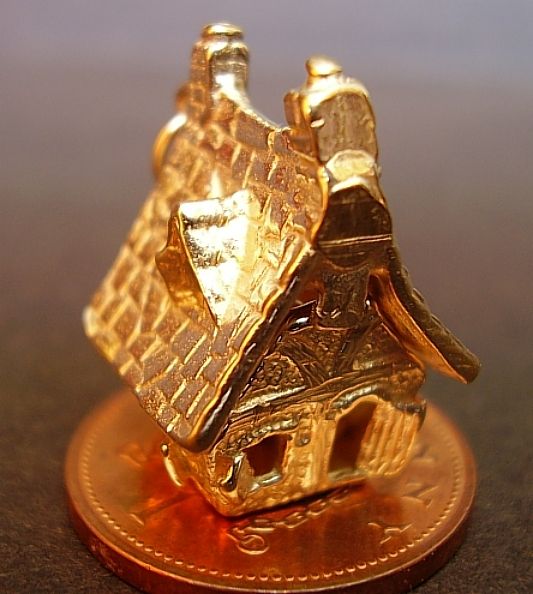 Haunted House 18ct Gold Charm
