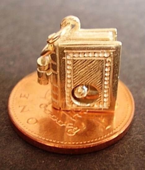 Bookworm 18ct Gold Charm