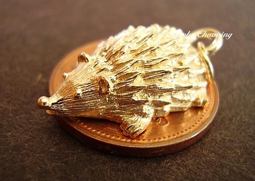Hedgehog 18ct Gold Charm