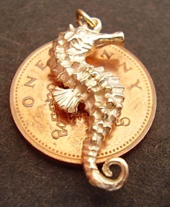 18ct 18k Gold Seahorse Charm