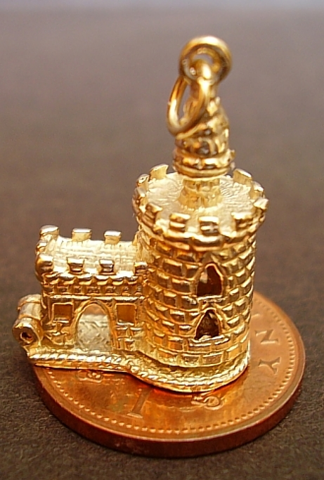 London Bloody Tower 9ct Gold Charm