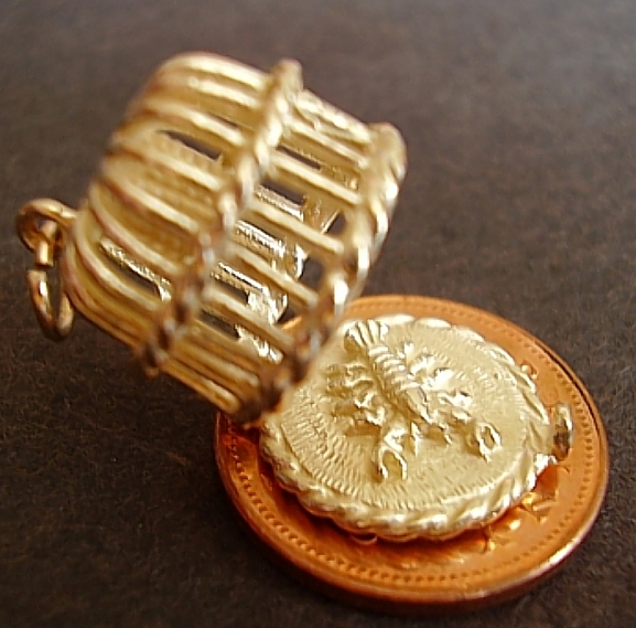 Lobster Pot 9ct Gold Charm