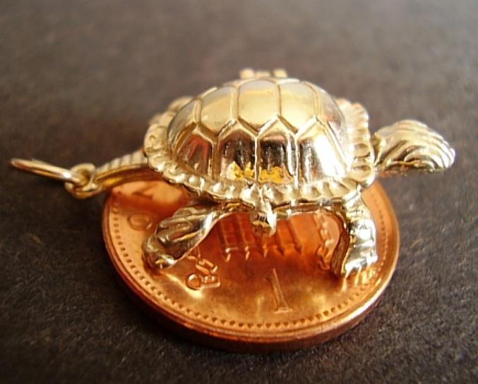 Tortoise & Hare 18ct Gold Charm