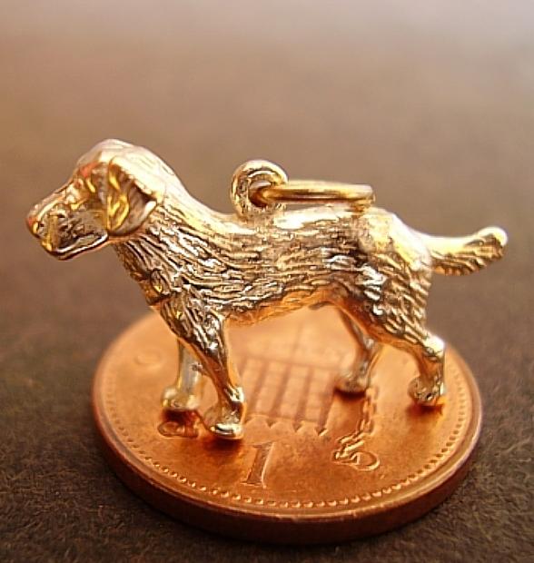 Labrador Dog 18ct Gold Charm