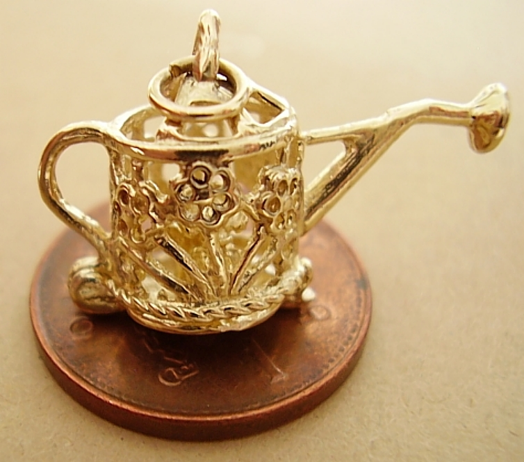 <center>Watering Can 9ct Gold Charm</center>