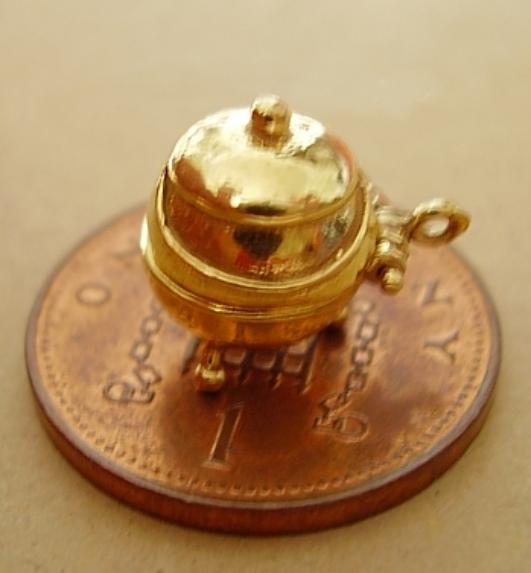 9ct Gold Cauldron Charm