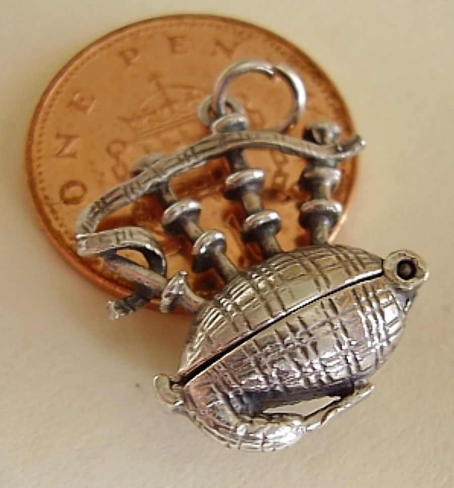 Sterling Silver Bagpies Dancer Charm