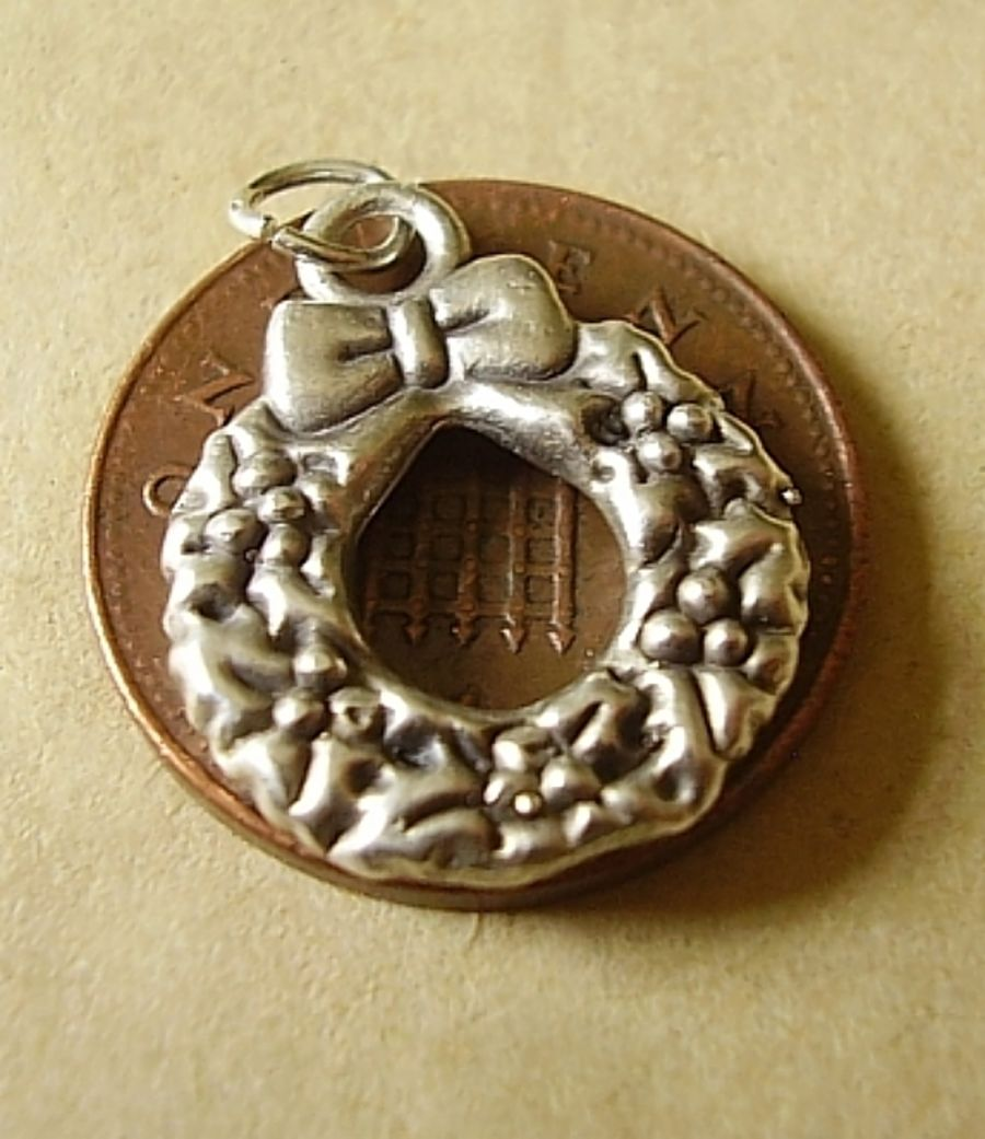 Wreath Sterling Silver Charm