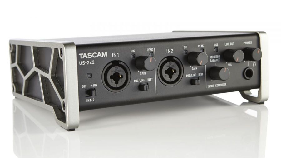 Tascam US2x2 - USB Recording Interface
