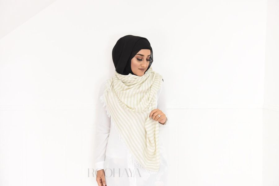 White Maxi Lace shawl Hijab