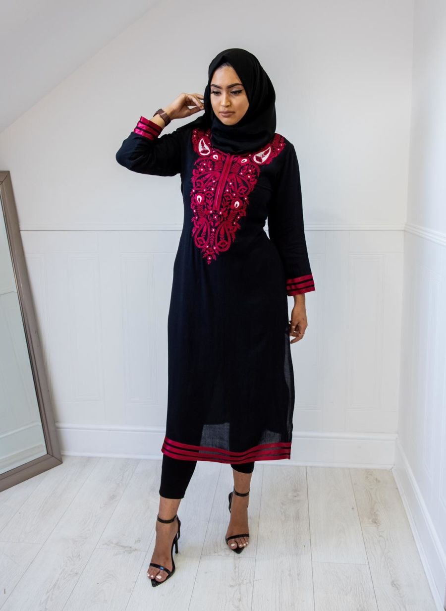 Floral Kurta in Black & Maroon