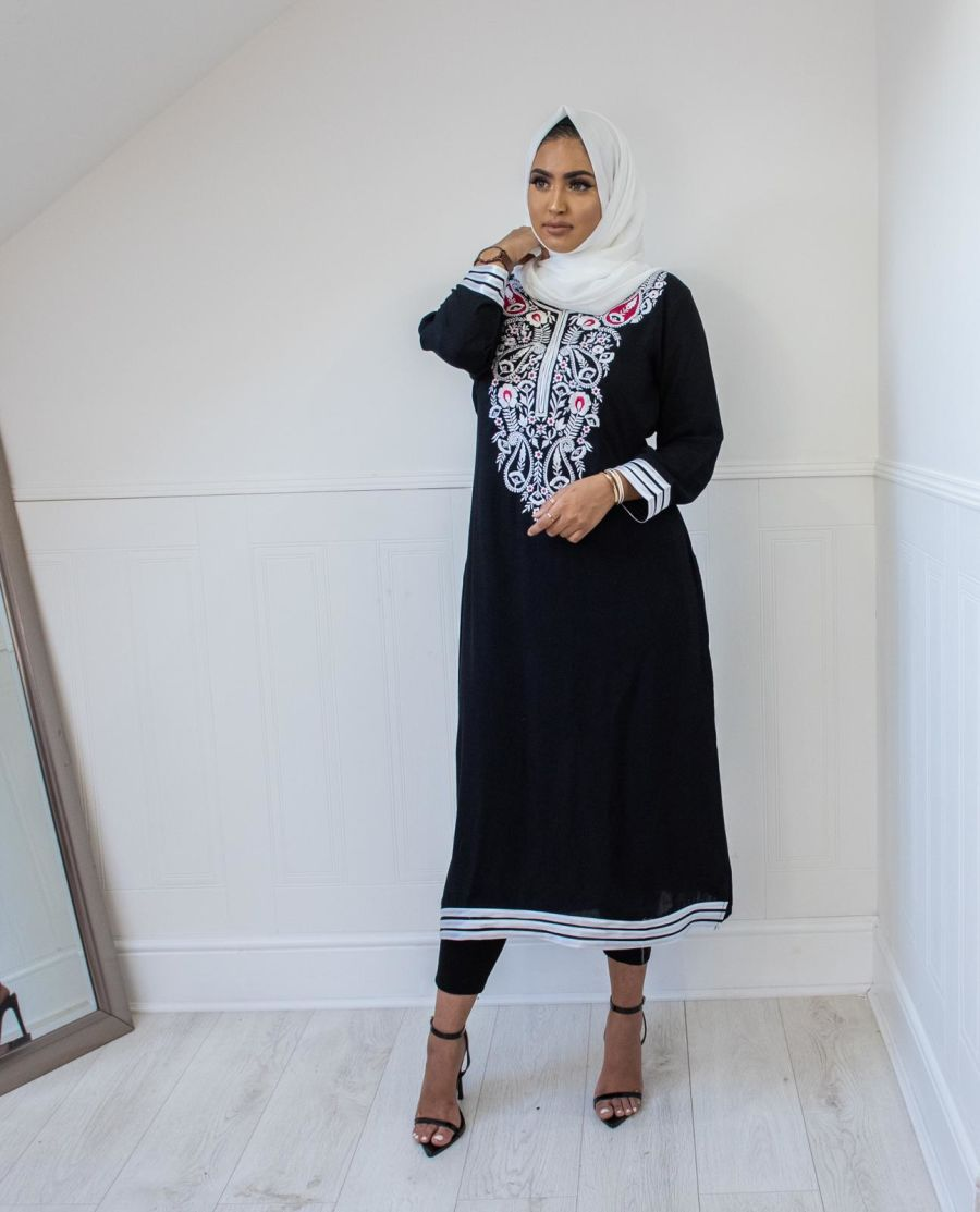 Floral Kurta in Black & White