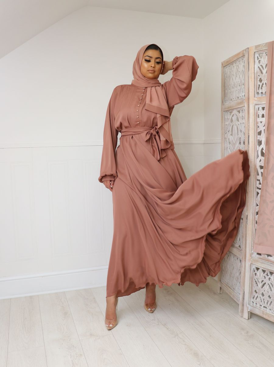 Anaa in Taupe Blush Flare